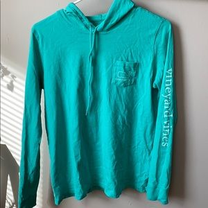 Vineyard vines long sleeve hooded shirt
